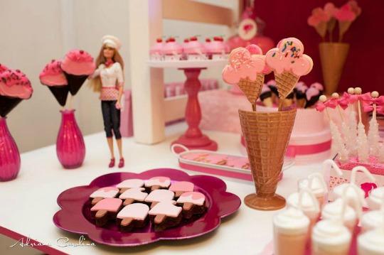 Mesa de dulces Barbie Shop