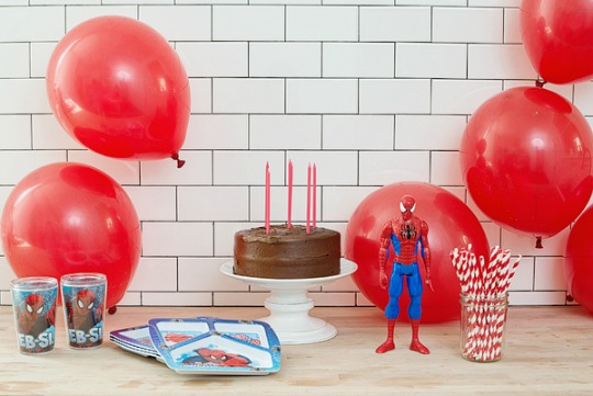 Moderna fiesta temática de Spiderman