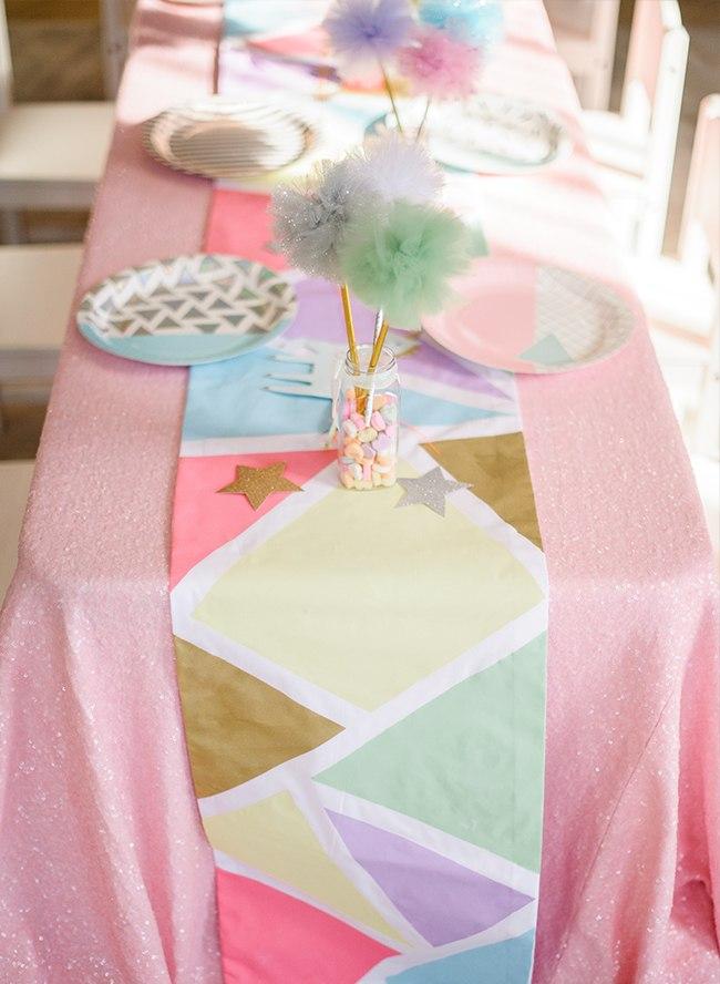 Cumplea os unicornio de estilo geom trico decoraci n fiestas for Decoracion para pared de unicornio