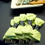 Ideas para presentar tus cubiertos en una mesa de fiesta
