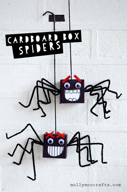 Como hacer arañas con una cajas de cartón