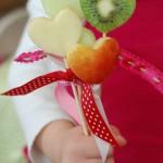 Piruletas de fruta con forma de corazón