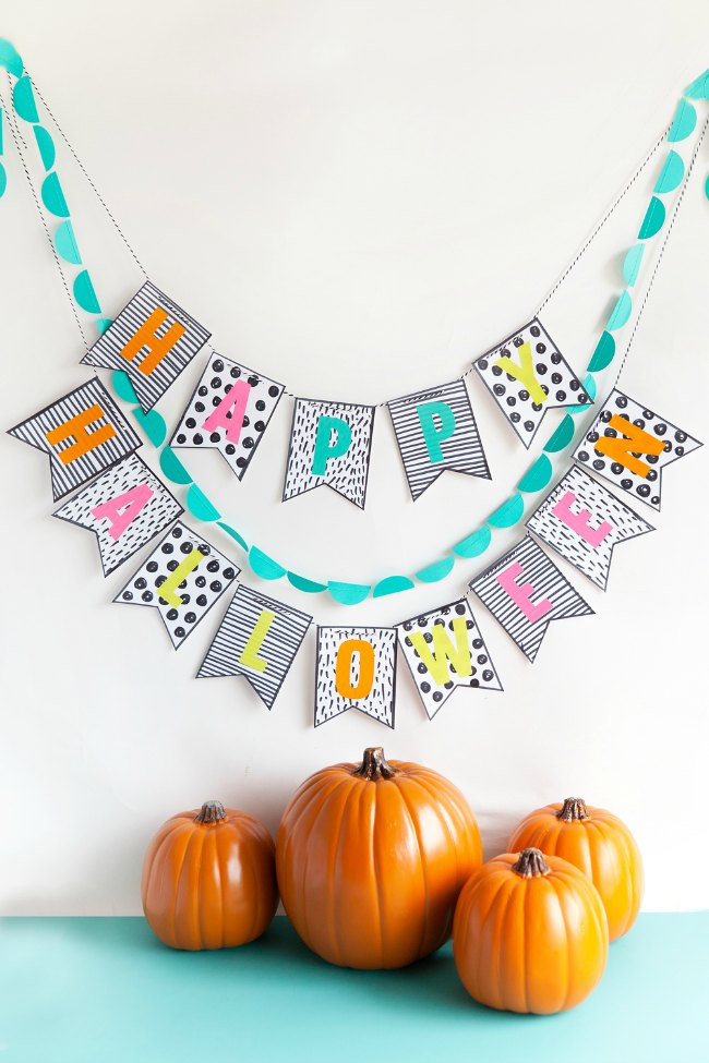 Colorida guirnalda para decorar Halloween