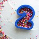 Idea sencilla para decorar una tarta de cumpleaños