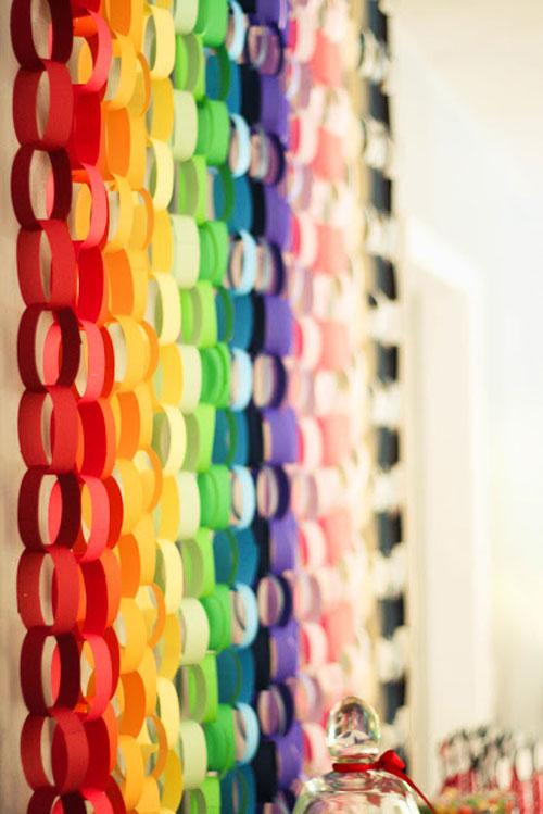 Decorar fiestas con cadenas de papel decoraci n fiestas - Decorar con papel ...
