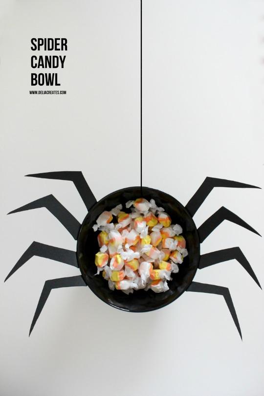 Bol para los caramelos de Halloween