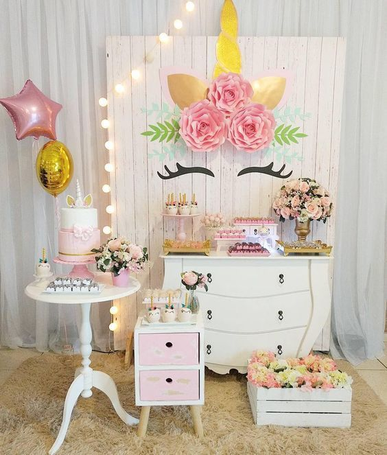 Una pared unicornio para tu fiesta 20 fotos decoraci n for Tablero del deco del sitio del bebe