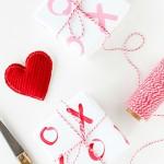 Envolver regalos en San Valentín